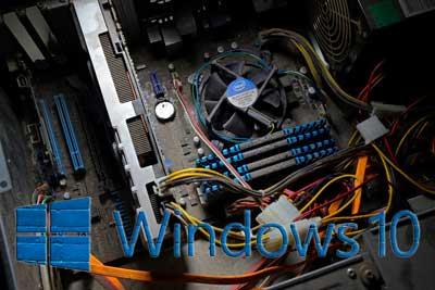 computadora-antigua-con-windos-10